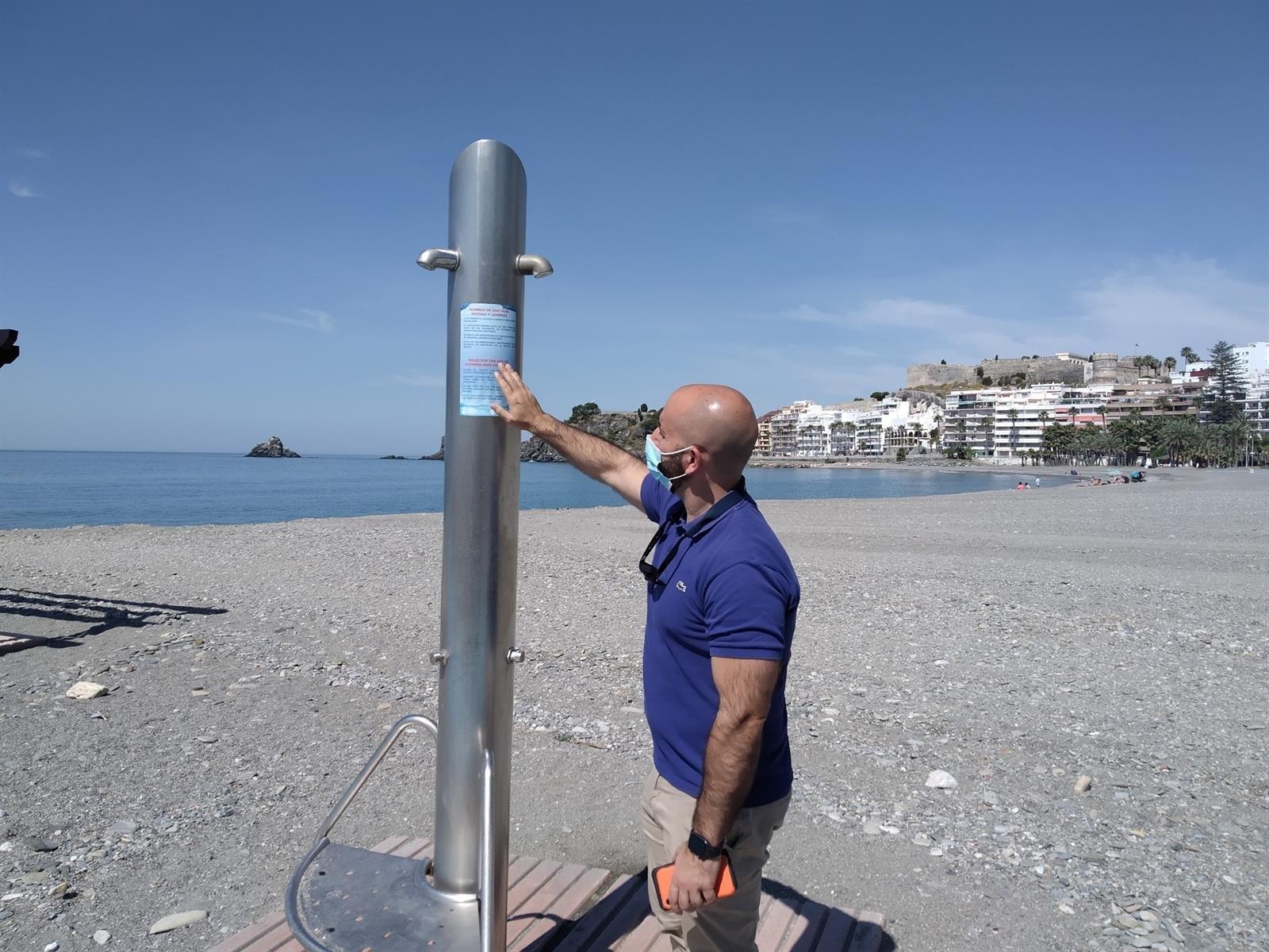 Las playas de la costa empiezan a abrir a la espera de turistas