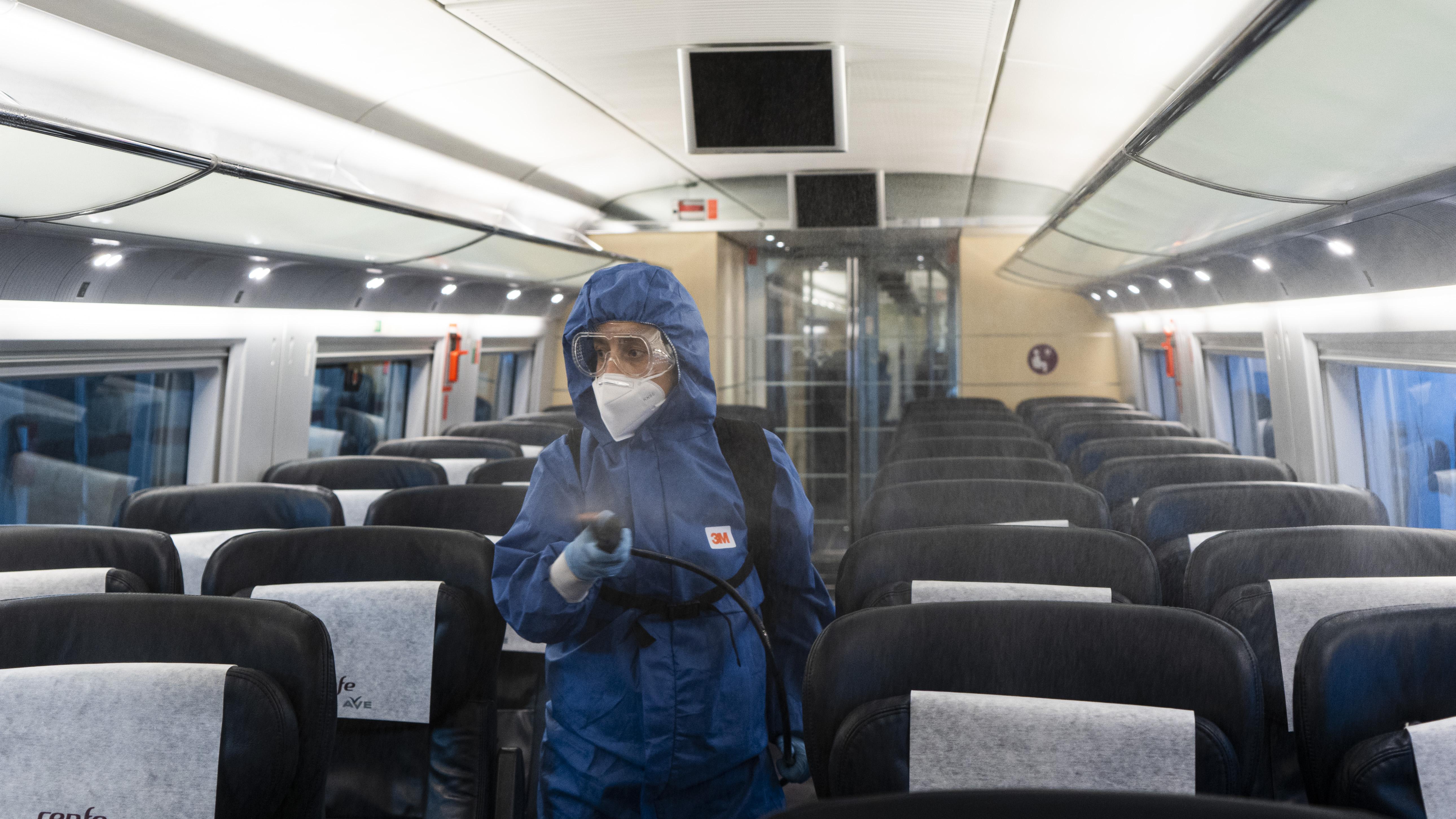 Renfe implanta un servicio de mantenimiento de condiciones higiénicas a bordo