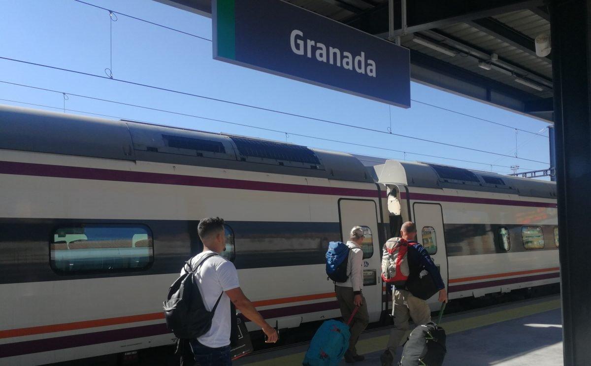 Colectivos ferroviarios reclaman por carta al Presidente del Gobierno la vuelta del tren Guadix Baza Almanzora Lorca