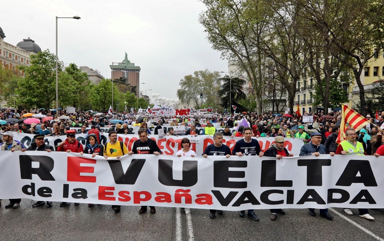 Amigos del Ferrocarril Piden a los diputados de Granada, Almería y Murcia votar a favor de la España Vaciada y del tren