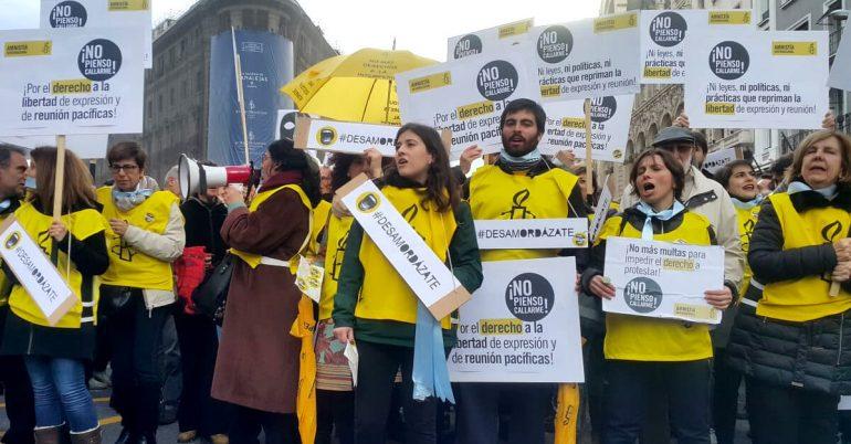 Amnistía y ONGs firman un manifiesto pidiendo la modificación de la Ley Mordaza