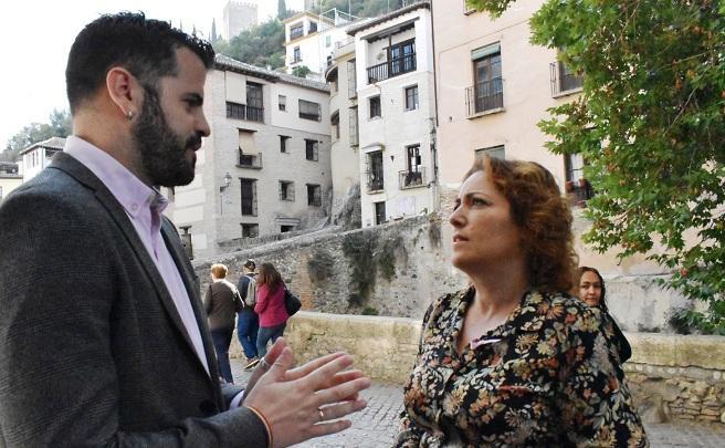 """IU sostiene que la Juntay Ayuntamiento """"esconden bajo la Alhambra la nula financiación de obras en Granada"""""""