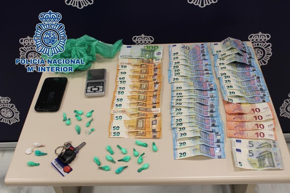 Intervienen 24 papelinas de cocaína en una operación contra el tráfico de drogas en Las Gabias