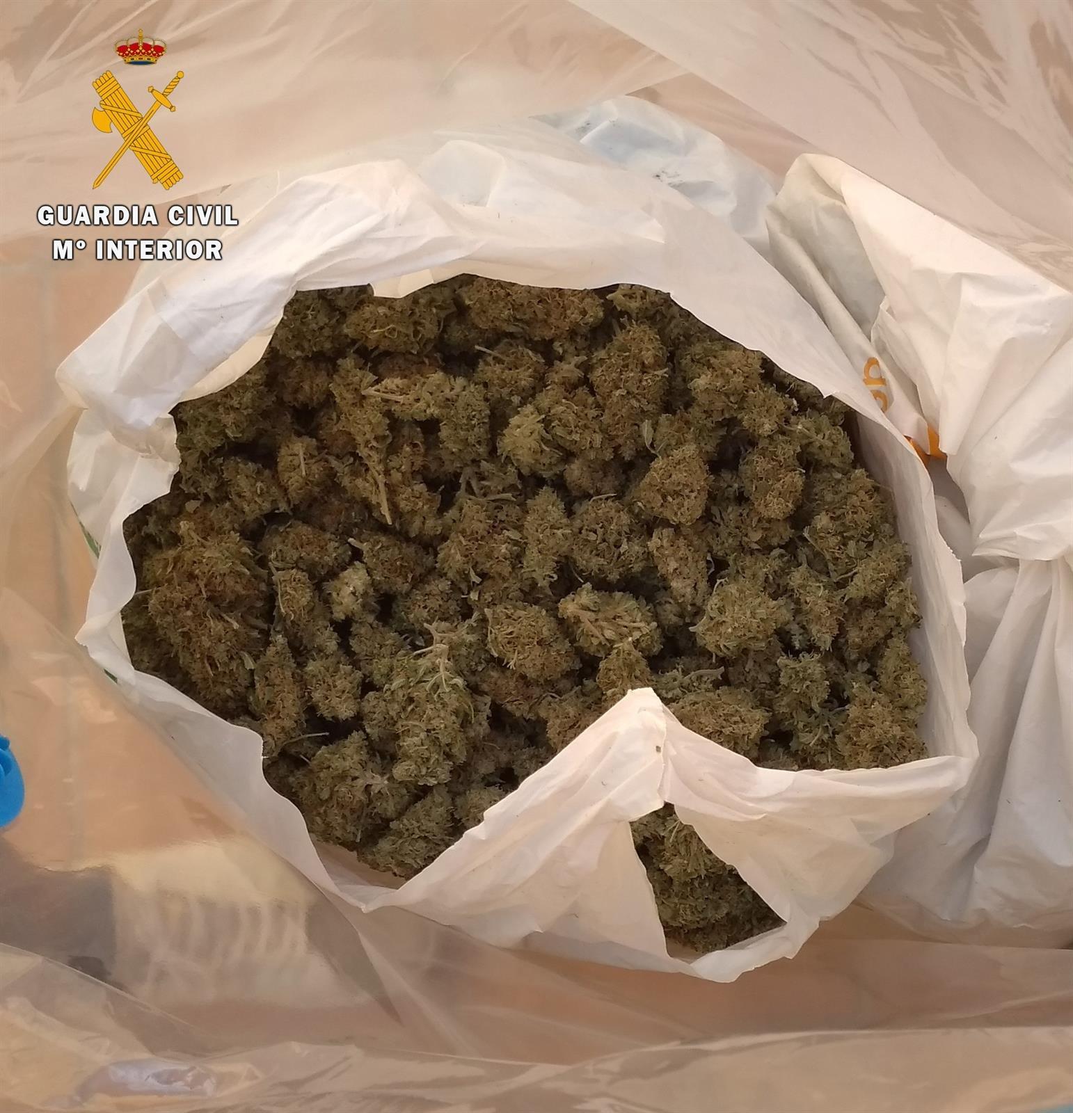 Siete detenidos tras un «vuelco» frustrado de marihuana en Albolote