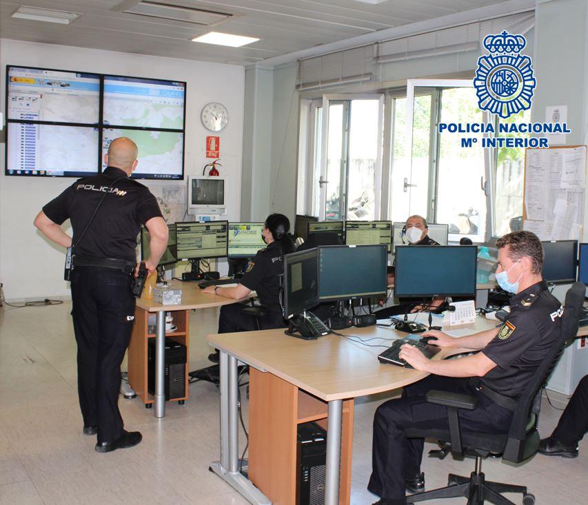 La Policía Nacional en Granada atiende más de 21.000 llamadas telefónicas desde el inicio del estado de alarma