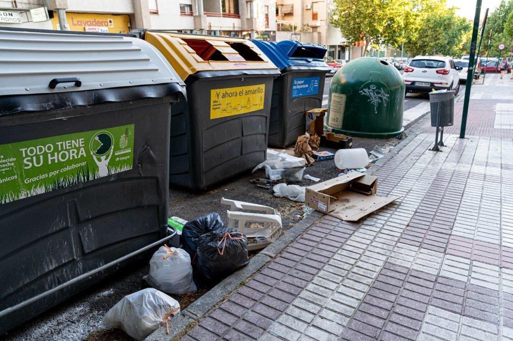 El PSOE critica al equipo de gobierno por la dejadez de las zonas verdes y falta de limpieza de las calles