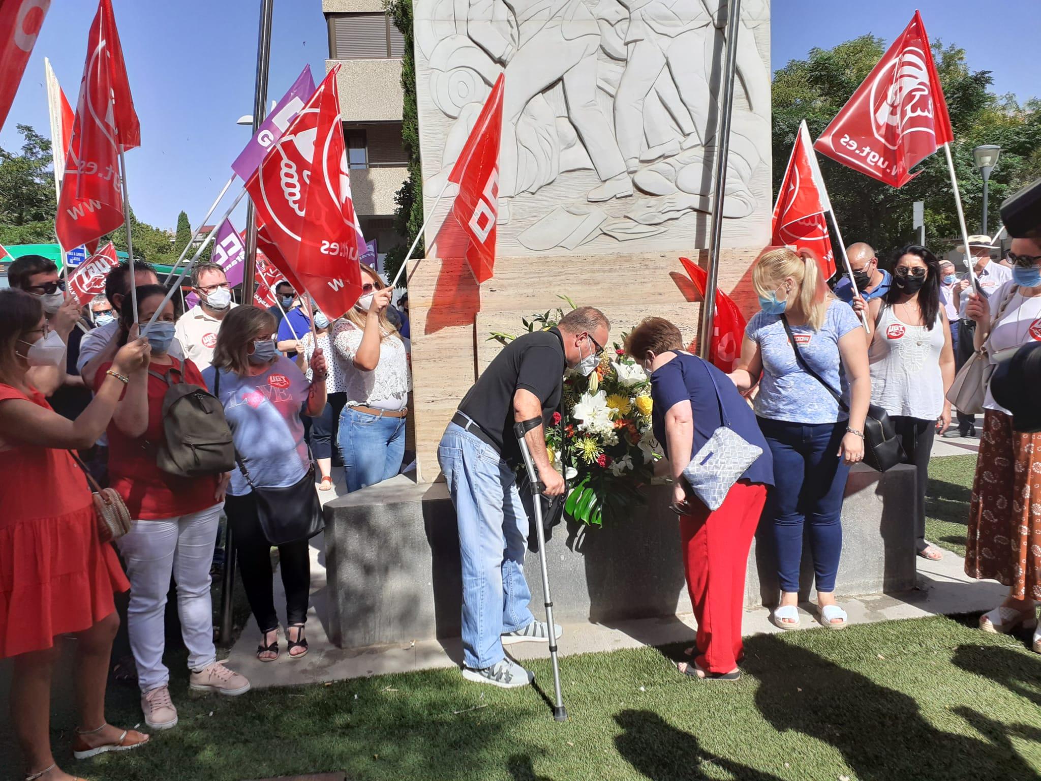 UGT y CCOO recuerdan a los asesinados hace 50 años en la Huelga Obrera del 1970