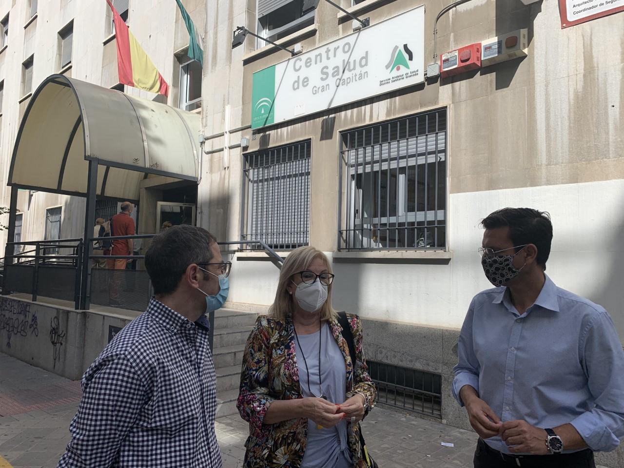 El PSOE denuncia que los recortes en Sanidad ponen en riesgo la salud de los Granadinos