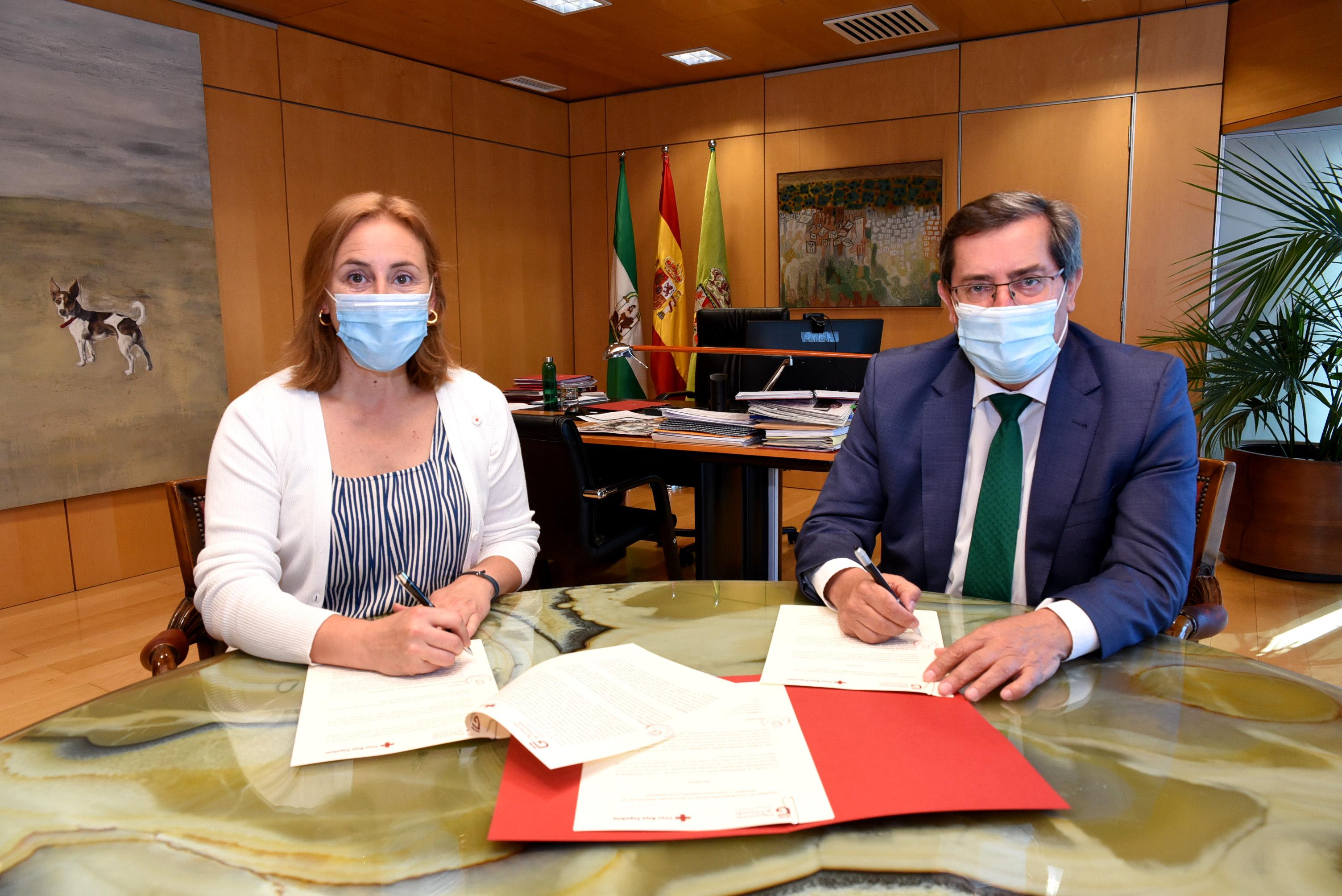 Diputación y Cruz Roja atenderán de forma conjunta a mayores y personas vulnerables de la provincia