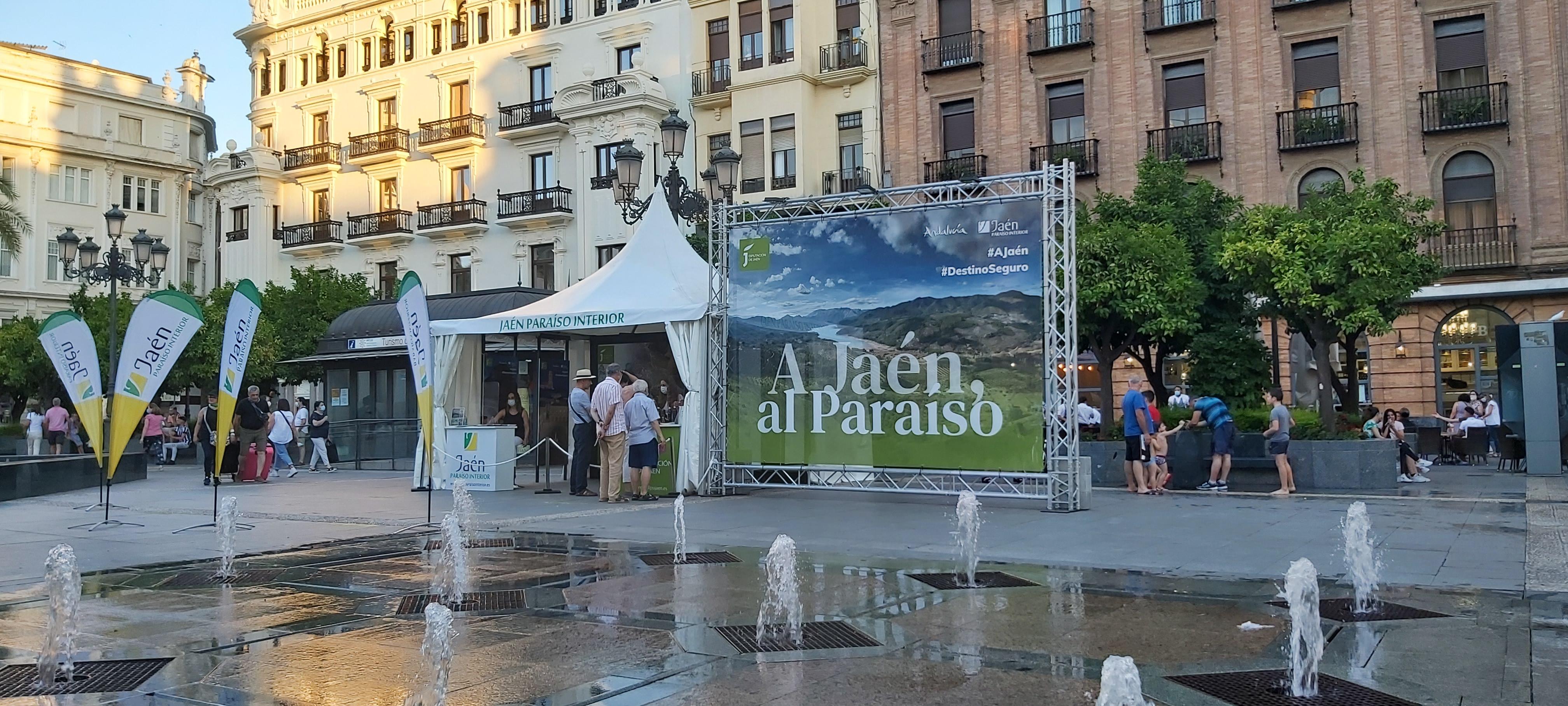 Jaén promociona sus bondades turísticas en pleno centro de Granada