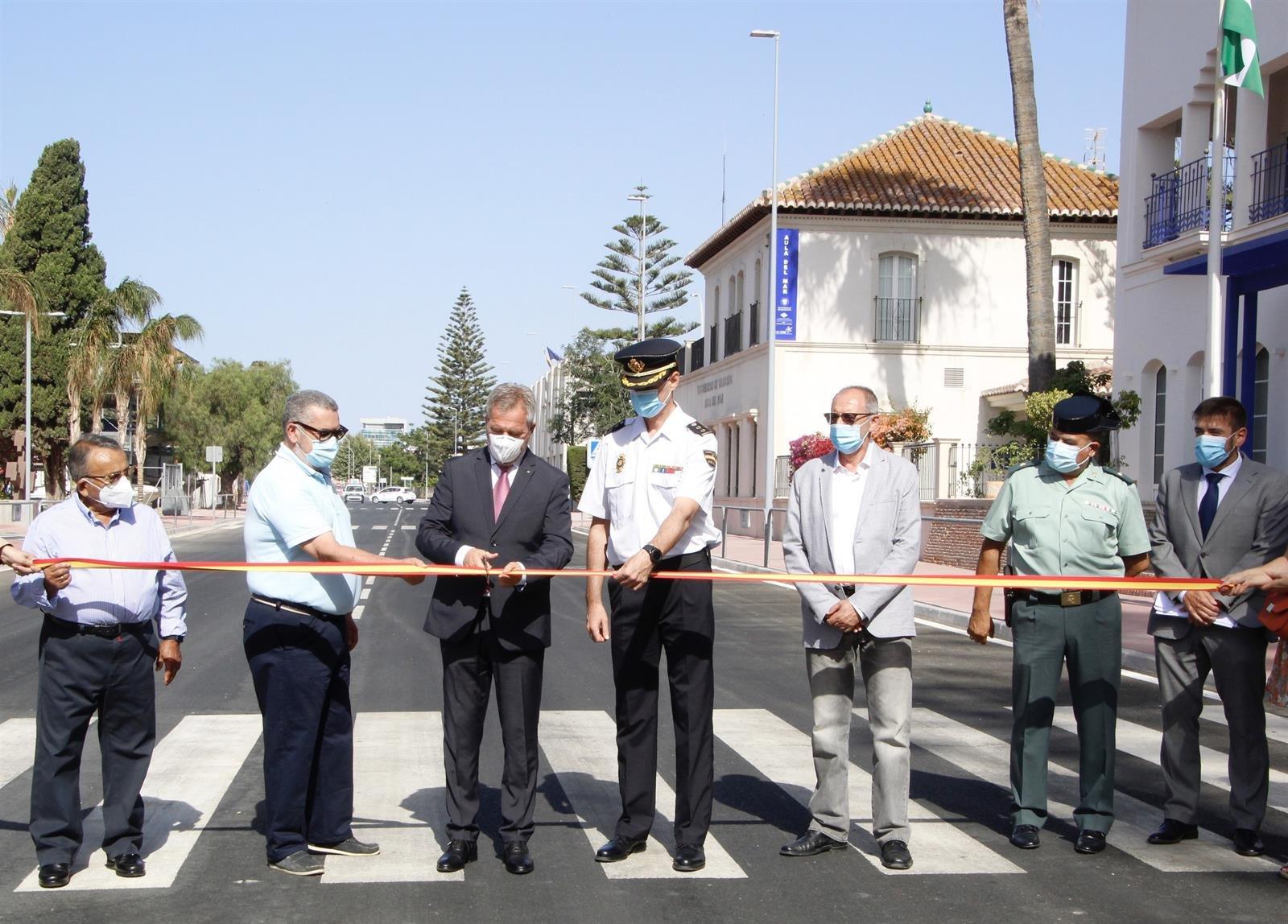 El puerto de Motril inaugura la remodelación del vial principal que mejora el tránsito de pasajeros