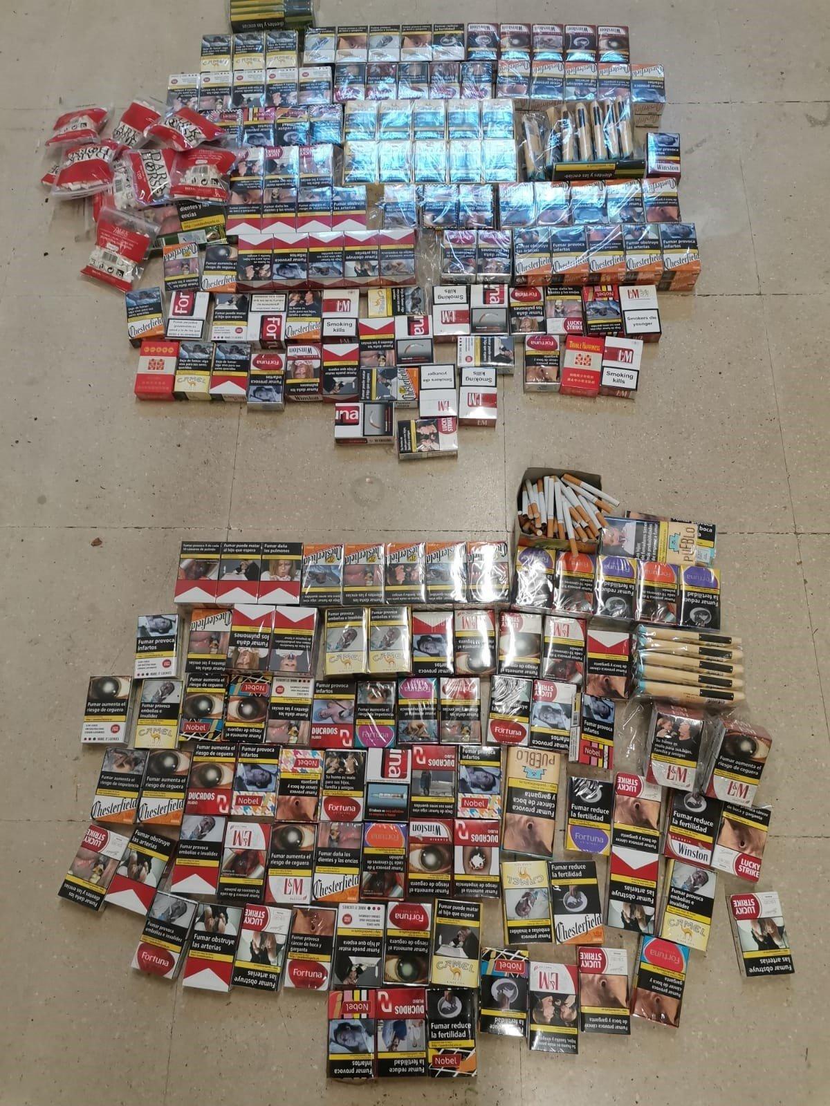 Incautados más de 280 paquetes de cigarrillos que se vendían sueltos en tiendas sin licencia