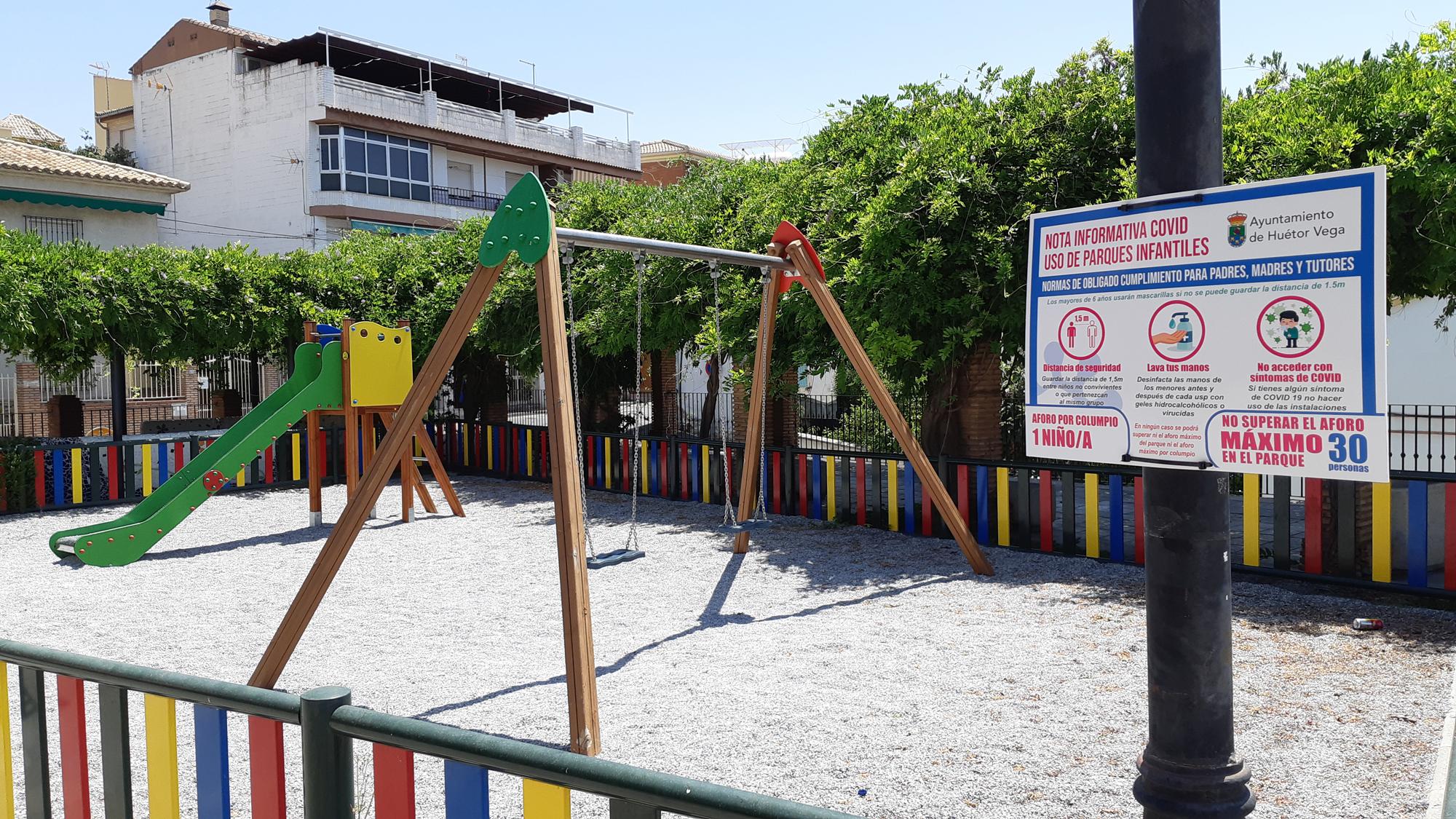 Huétor Vega reabre al público los parques infantiles con limitación de aforo y desinfección diaria