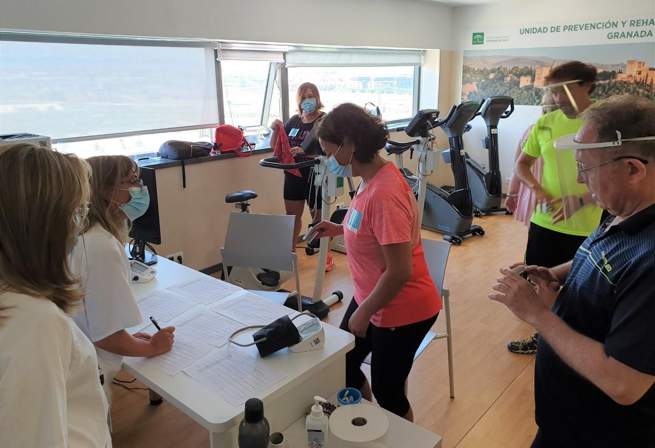 El San Cecilio ofrece programas de rehabilitación individualizados para pacientes con secuelas causadas por el coronavirus