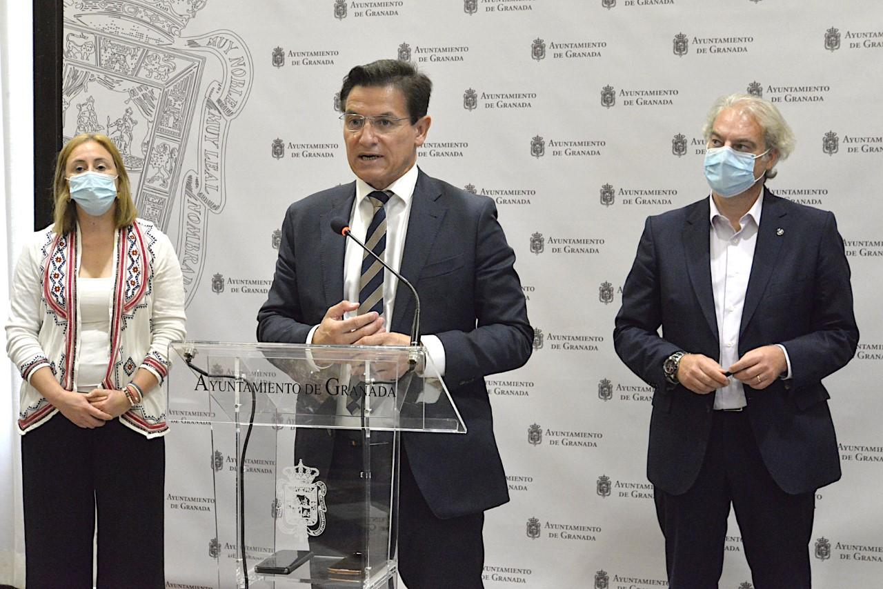 El Ayuntamiento destina 500.000 euros a tarjetas prepago para cubrir las necesidades básicas de familias vulnerables