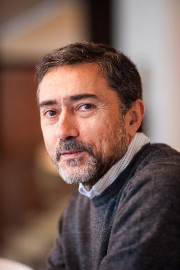 Antonio Ros Mulero, catedrático de Geometría y Topología de la UGR, galardonado con la Medalla de la Real Sociedad Matemática Española