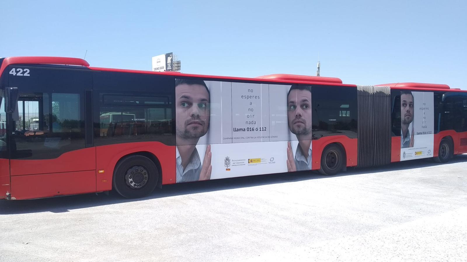 Los autobuses se incorporan a la campaña municipal contra la violencia de género