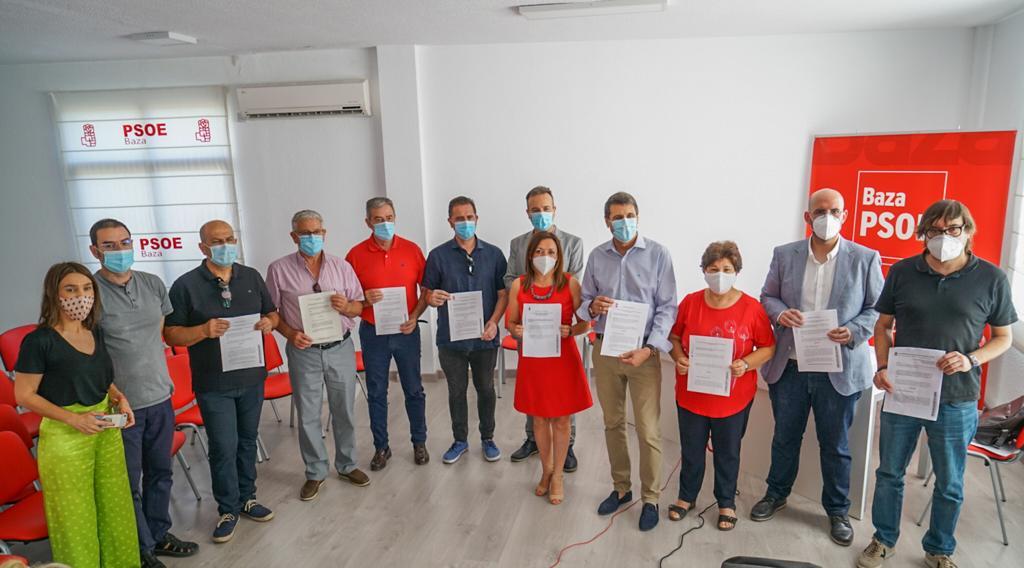 Alcaldes de Baza, Huéscar y Guadix piden que la Junta incluya las casas cuevas en la Ley de Impulso a la Sostenibilidad