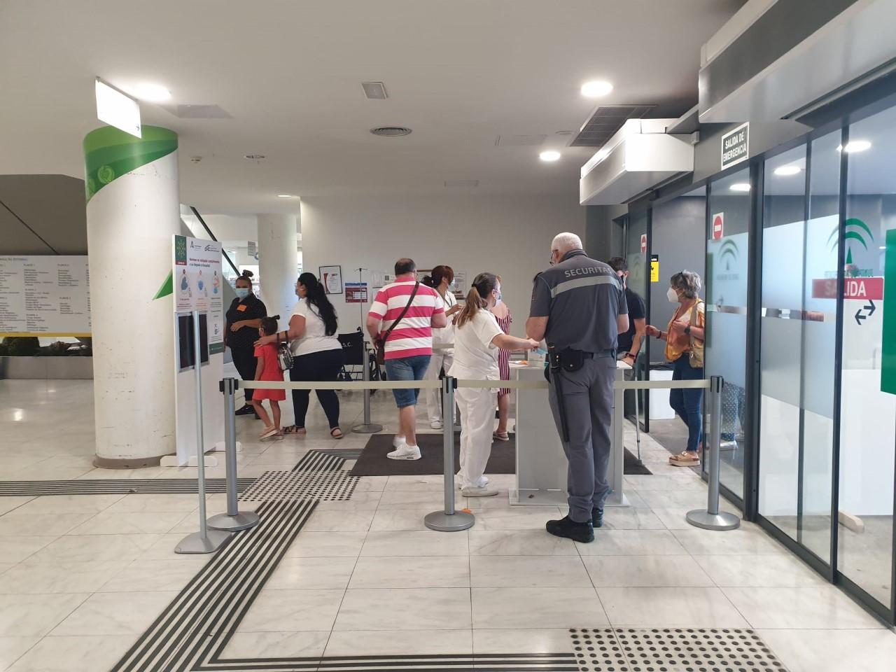 El Hospital Clínico habilita nuevas medidas de acceso y acompañamiento de pacientes para prevenir situaciones de riesgo