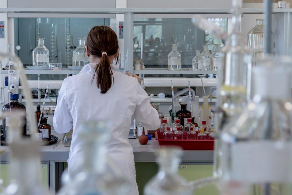 La UGR logra más de 842.000 euros de la Junta de Andalucía para proyectos de investigación sobre COVID-19