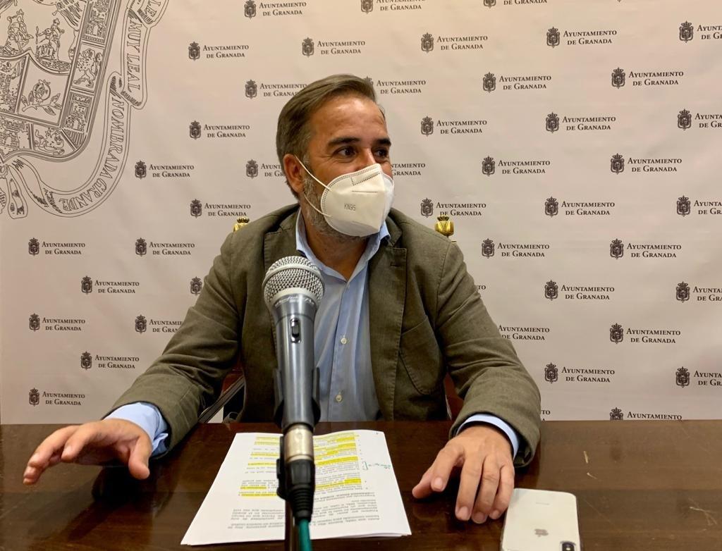 El PSOE denuncia la pretensión del Bipartito de hacer «negocio» con las familias de las escuelas de «Granada Educa»