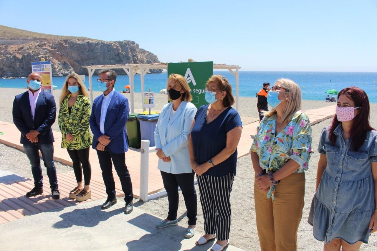 La mayoría de los municipios costeros de Granada cuentan con el distintivo 'Andalucía Segura'