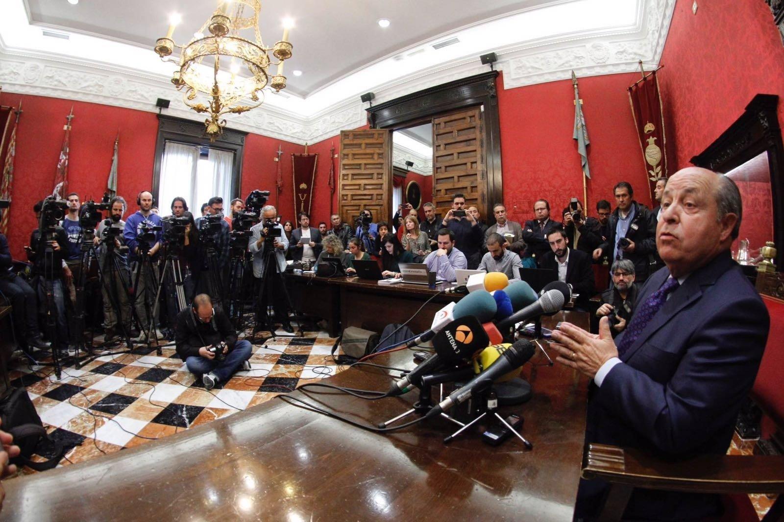 PSOE pide 12 años de inhabilitación para Torres Hurtado en una pieza separada del 'caso Nazarí'