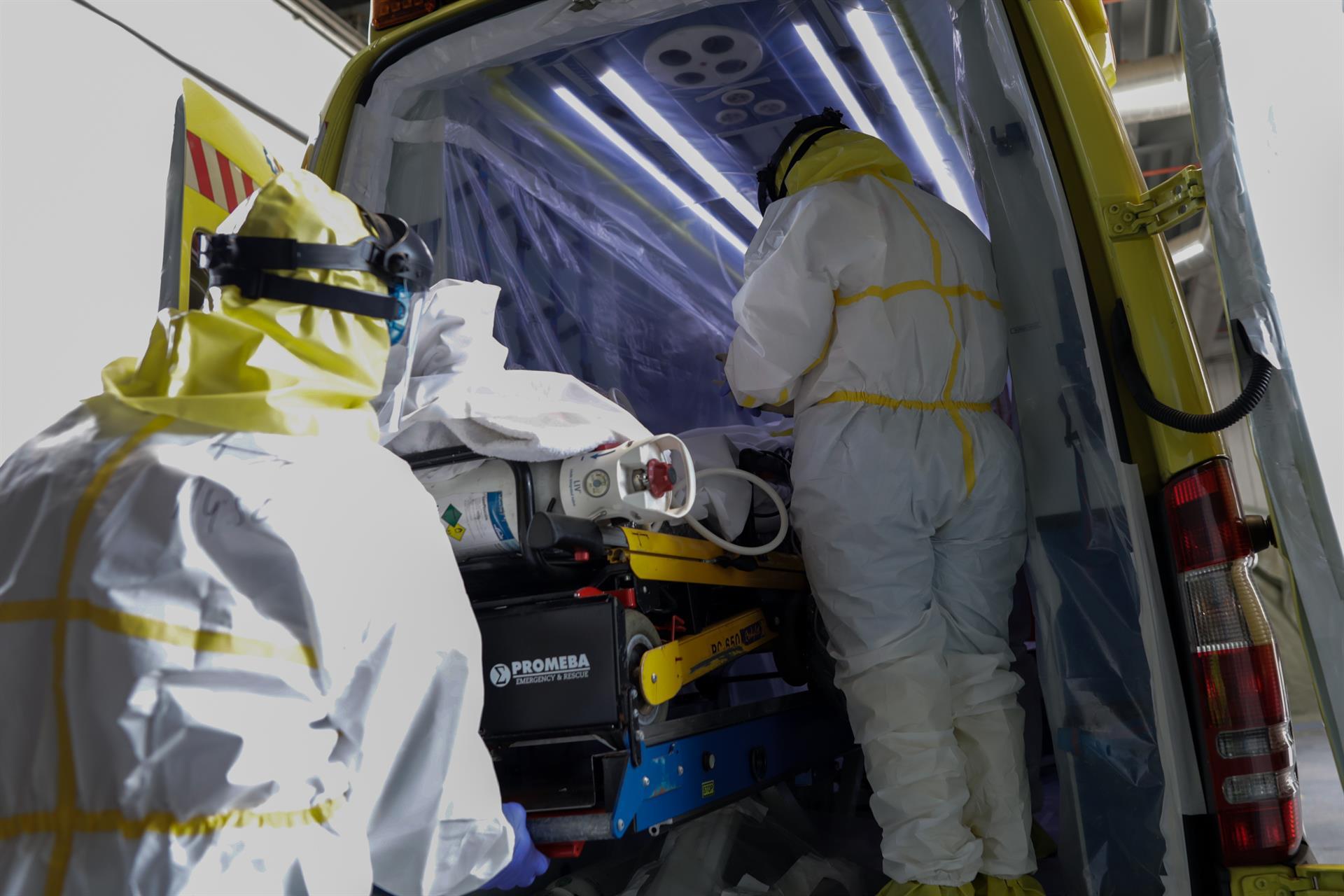 Granada supera el millar de casos de coronavirus por cada 100.000 habitantes