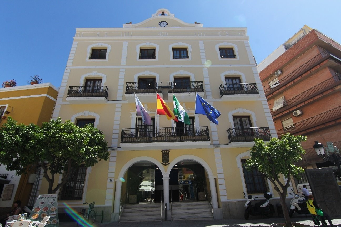 El  Ayuntamiento de Almuñécar pide extremar la seguridad en el funeral de la fallecida en la piscina