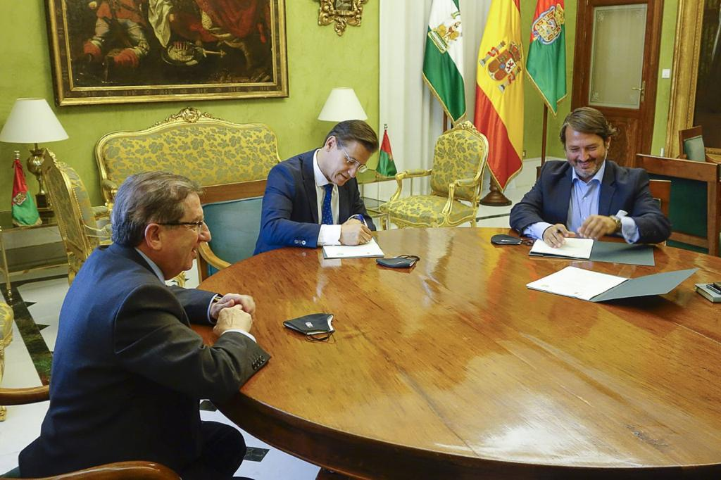 El Ayuntamiento impulsa el anillo verde con un acuerdo para actuar en 800 hectáreas