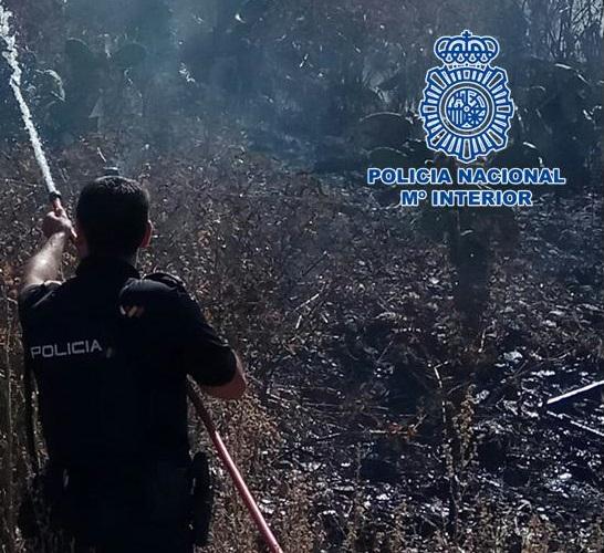 Detenido un pirómano tras incendiar un solar con rastrojos junto a viviendas