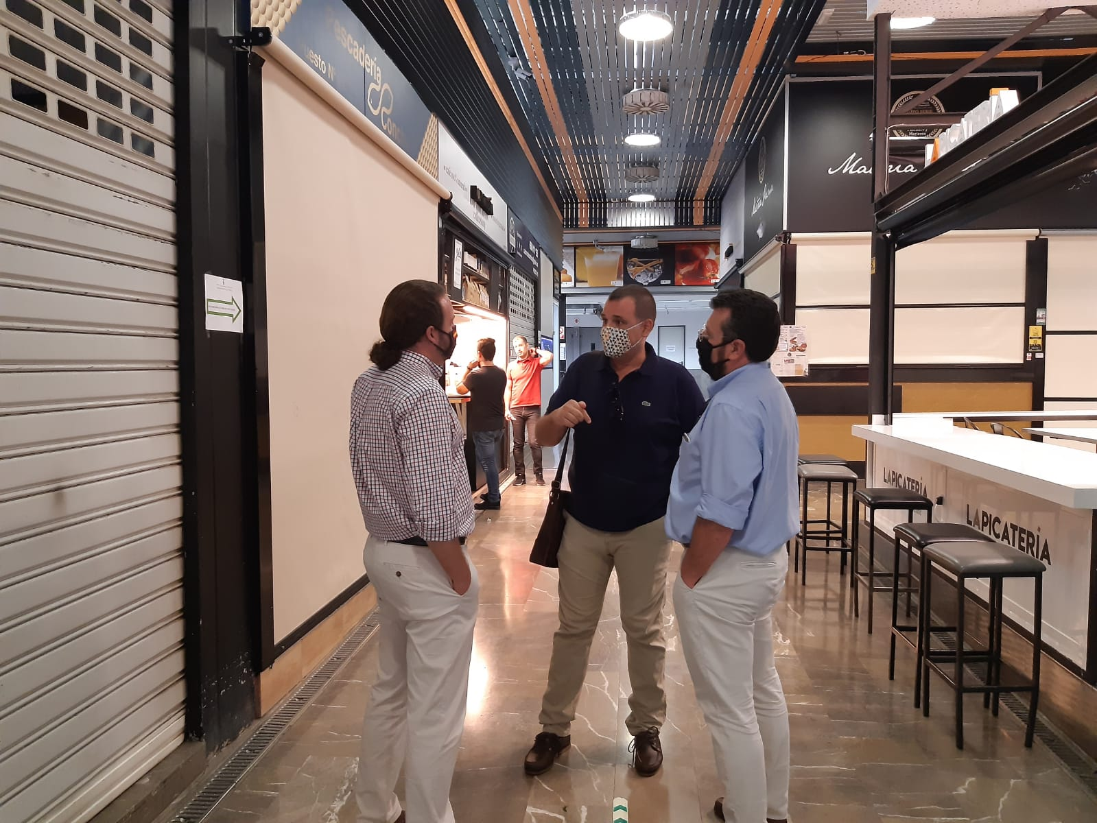 VOX pide al gobierno municipal especial sensibilidad con Merca 80 y el mercado de San Agustín