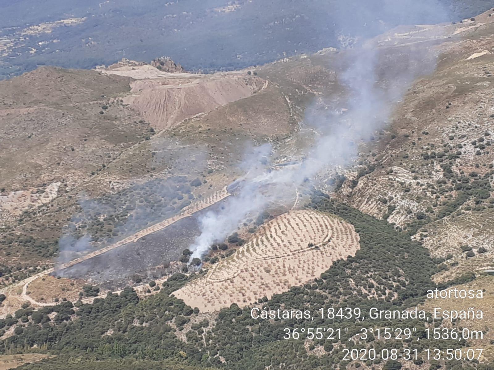 Declarados dos incendios forestales, uno en Motril y otro en Cástaras