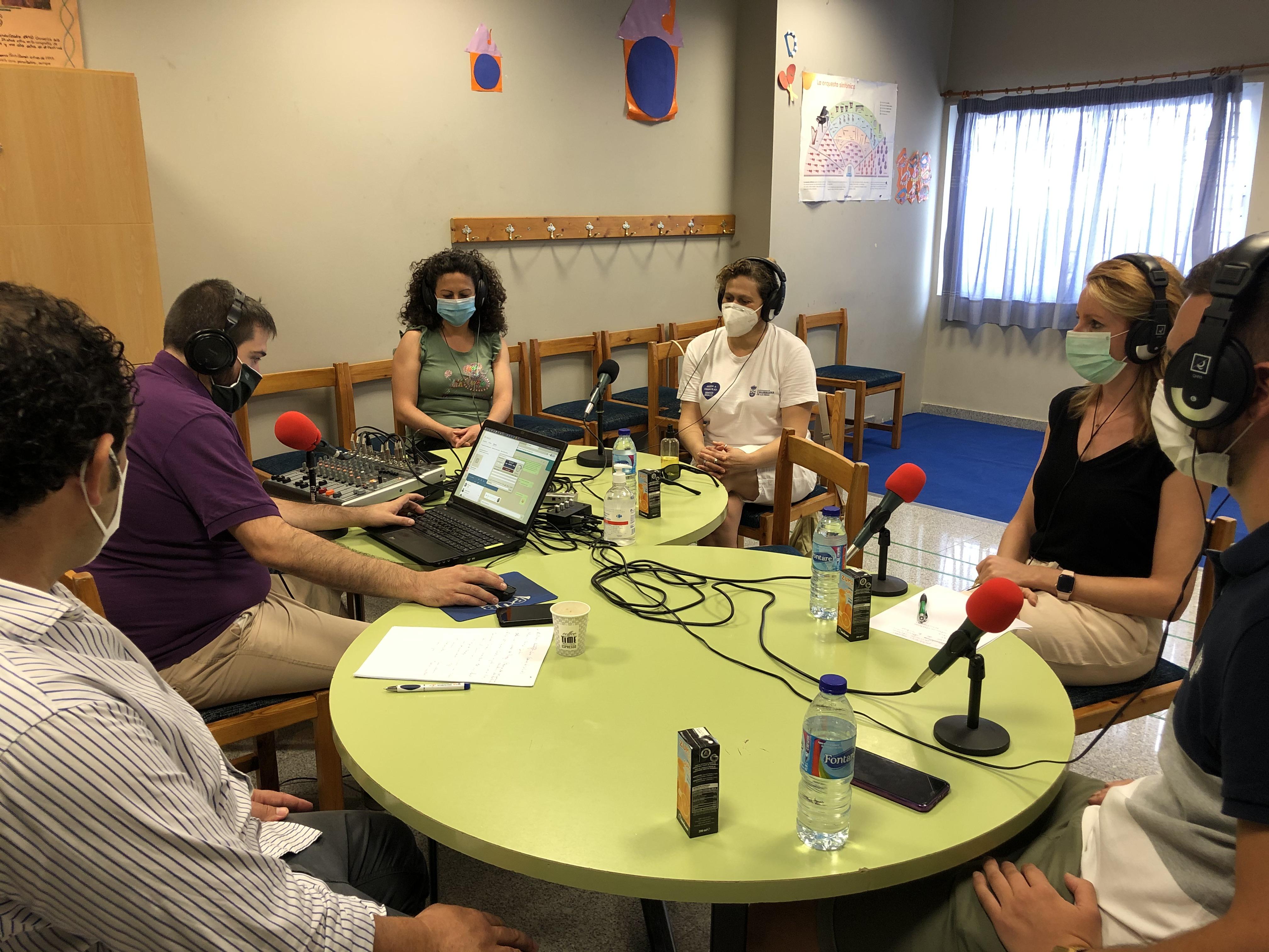 Jóvenes de Churriana de la Vega participan en un proyecto radiofónico por la inclusión