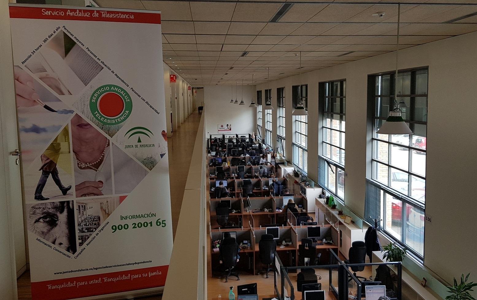 El Servicio de Teleasistencia de la Junta de Andalucía ha gestionado 830.706 llamadas durante 2020 en Granada