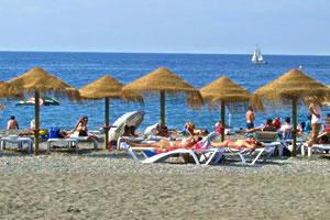 La costa de Granada contará con 11 playas y un puerto deportivo con bandera azul