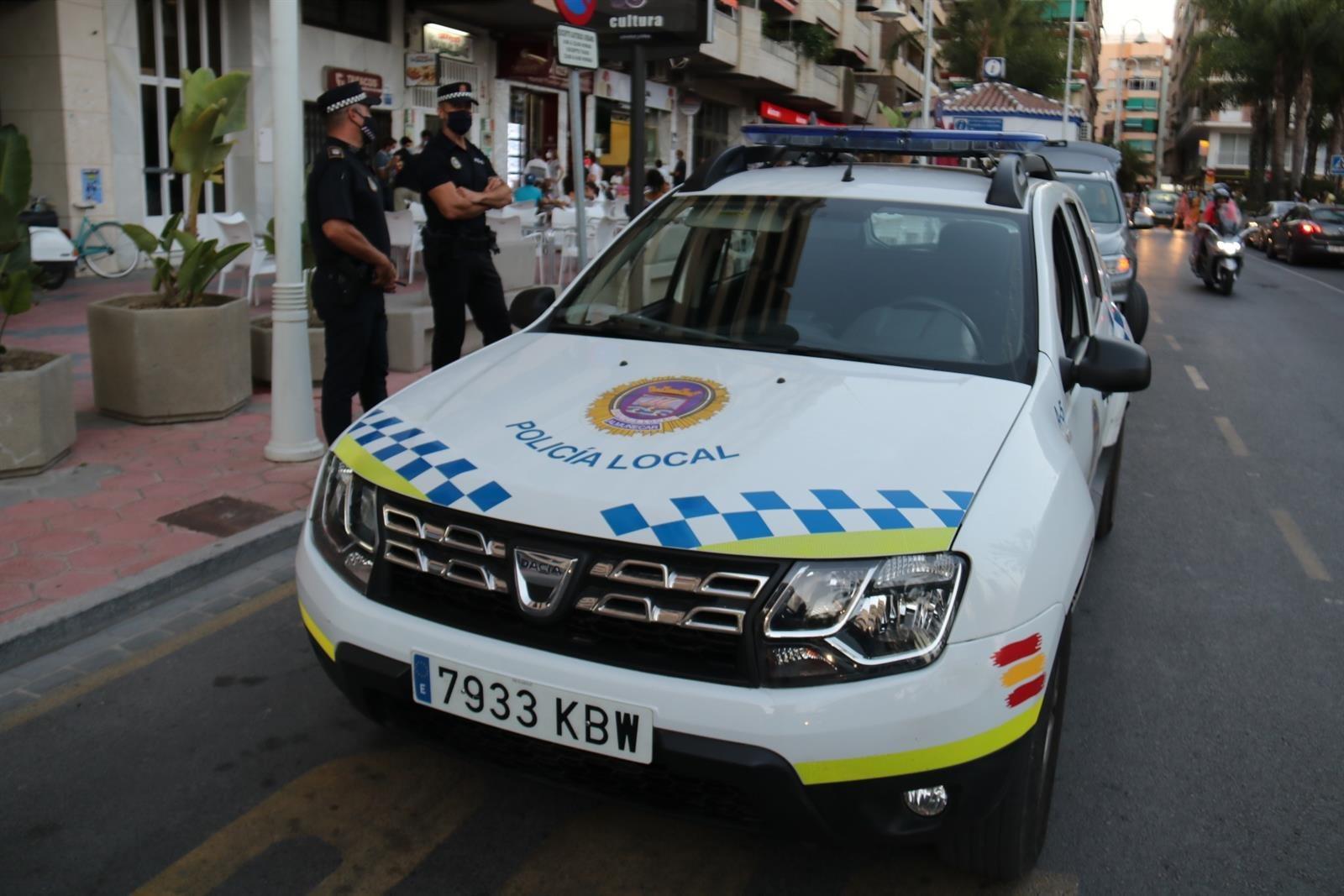 Más de 40 denuncias por botellón en Almuñécar durante el puente de agosto