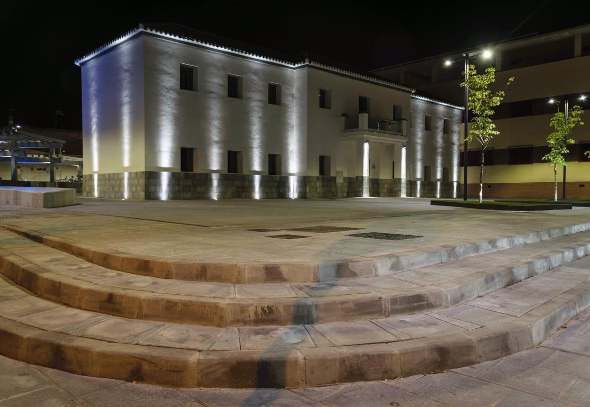 Otura hará la mayor inversión de su historia renovando todas sus farolas con luces 'led'
