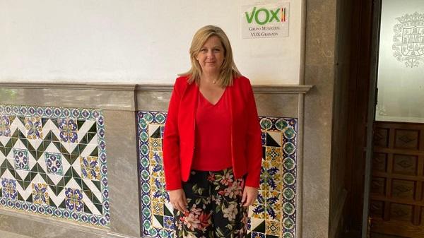 VOX pide al equipo de gobierno que valore suprimir el veto al PVC en las ventanas del Centro