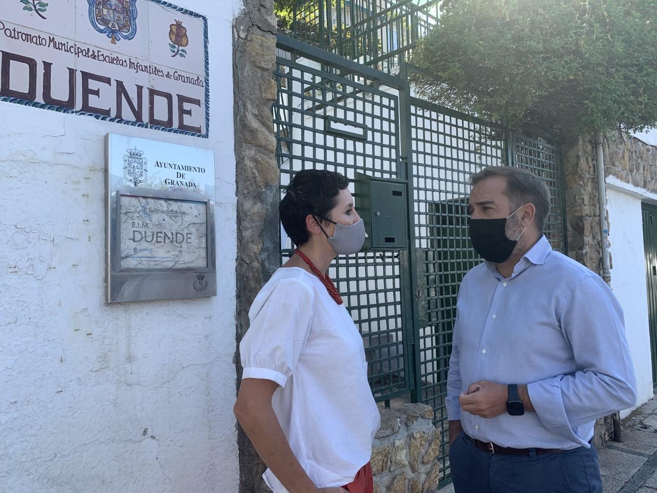 El PSOE exige el arreglo del muro de contención del patio de la Escuela Municipal Duende