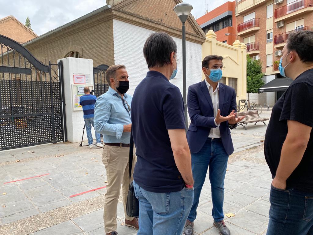 El PSOE propone medio centenar de espacios públicos para bajar las ratios de los colegios de la capital
