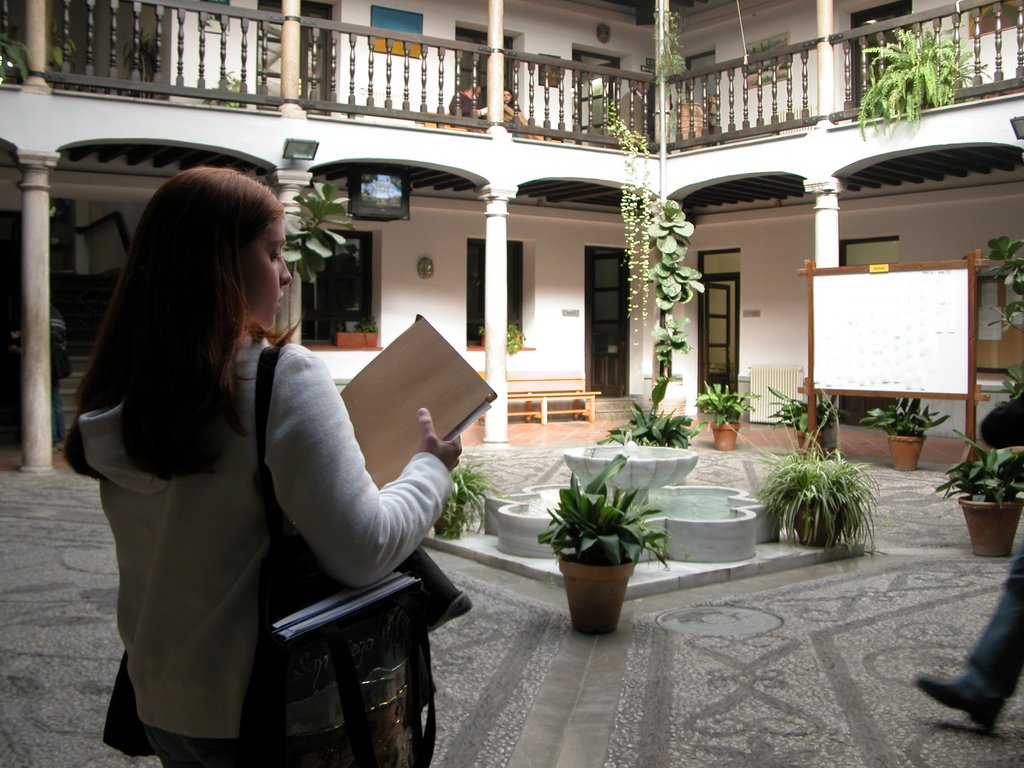 CCOO se convierte en la fuerza sindical más votada en el Centro de Lenguas Modernas