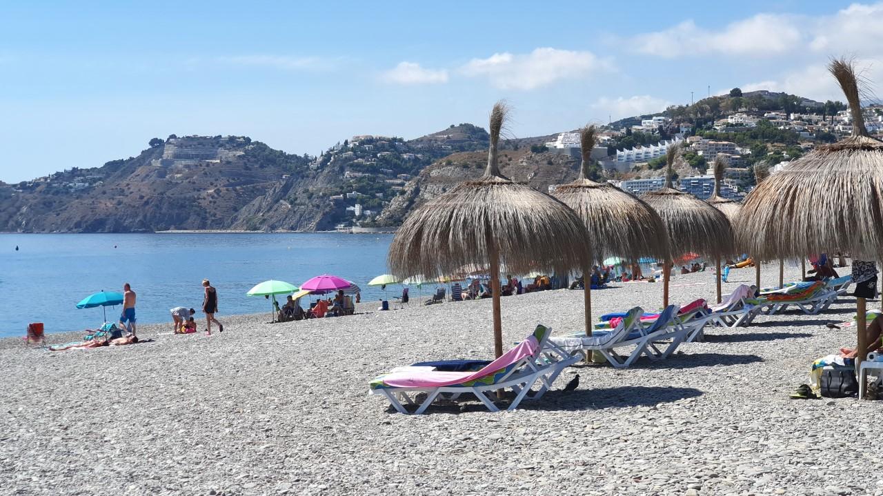 Los chiringuitos de la costa han resistido el verano con el turismo nacional