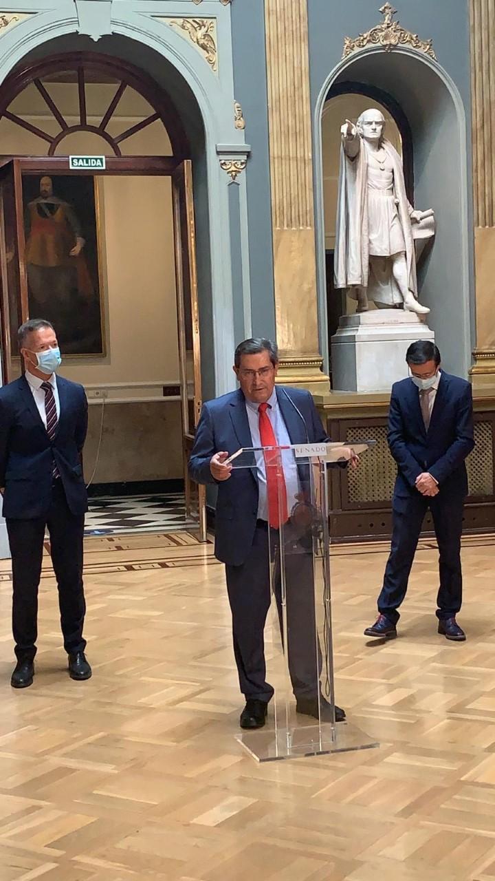 Entrena expone en el Senado las medidas puestas en marcha por Diputación contra la exclusión financiera