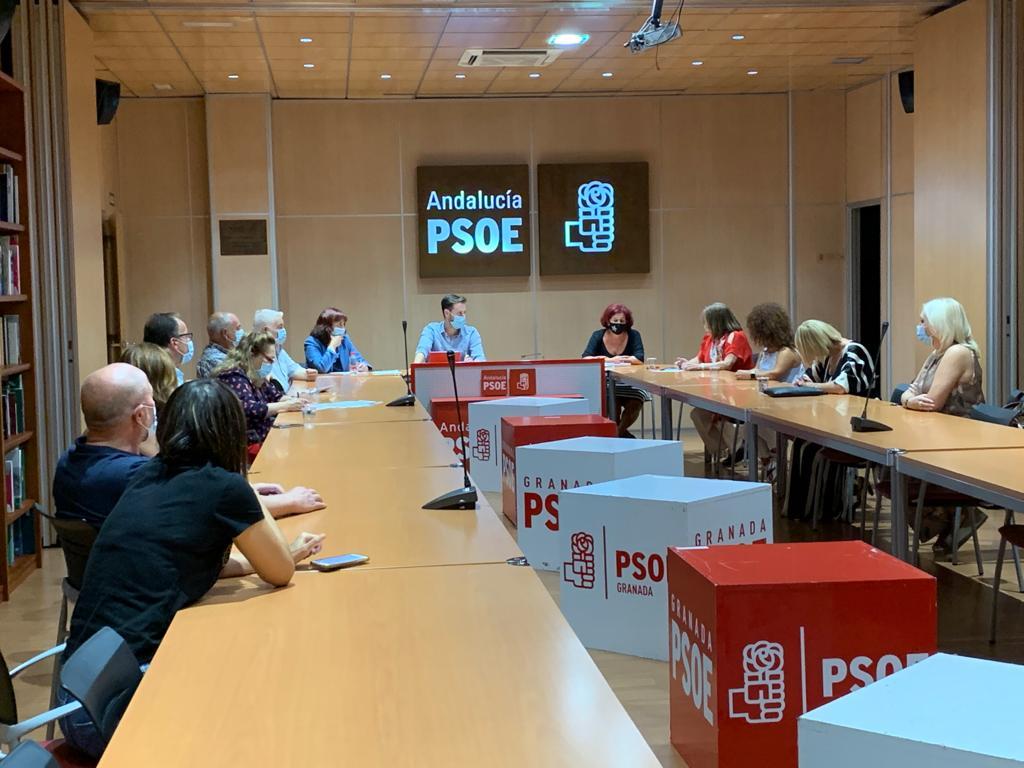 """El PSOE denuncia que la Junta crea """"inseguridad jurídica"""" a los centros de día de discapacidad"""