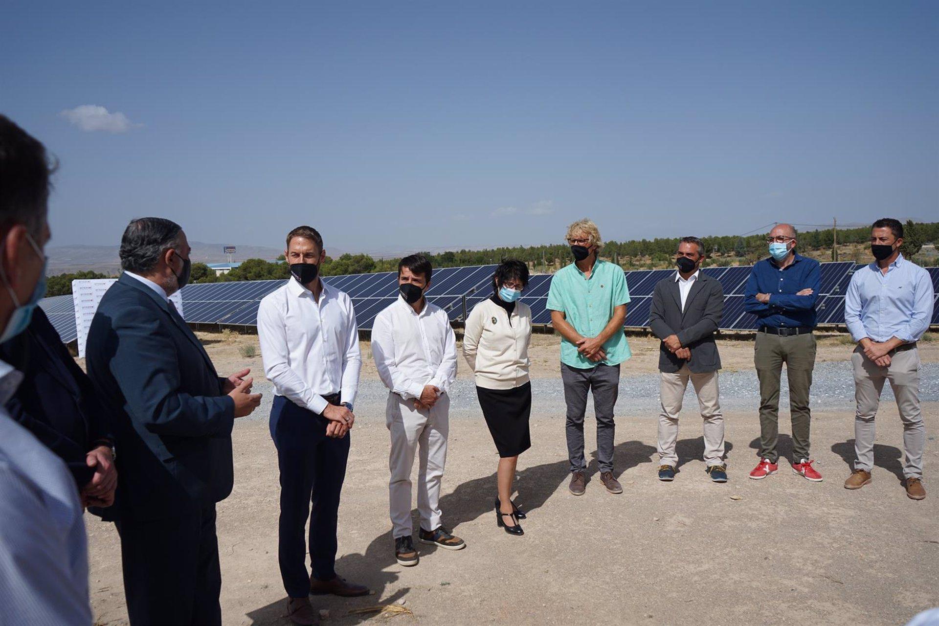 Una planta de energía fotovoltaica en Guadix permitirá abastecer a 4.265 viviendas