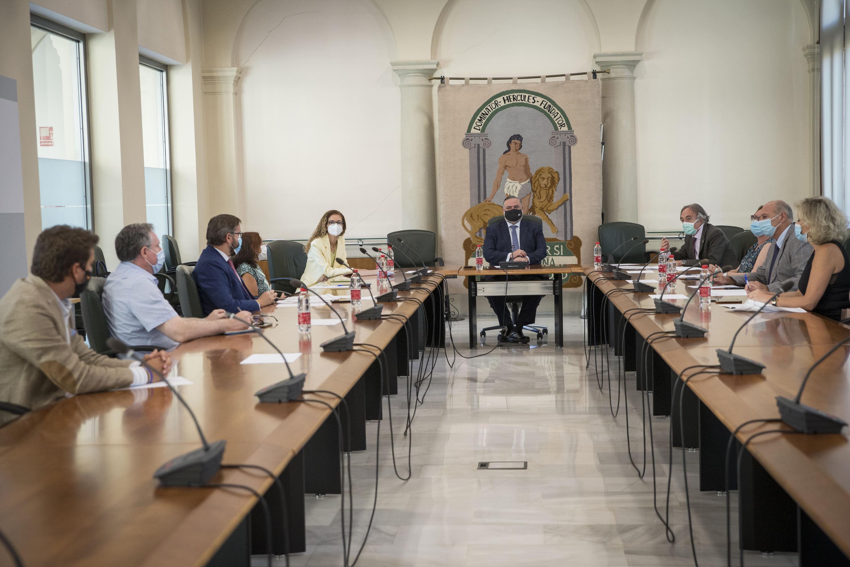 Una comisión de expertos hará un seguimiento a tiempo real de la incidencia del COVID-19 en las aulas granadinas