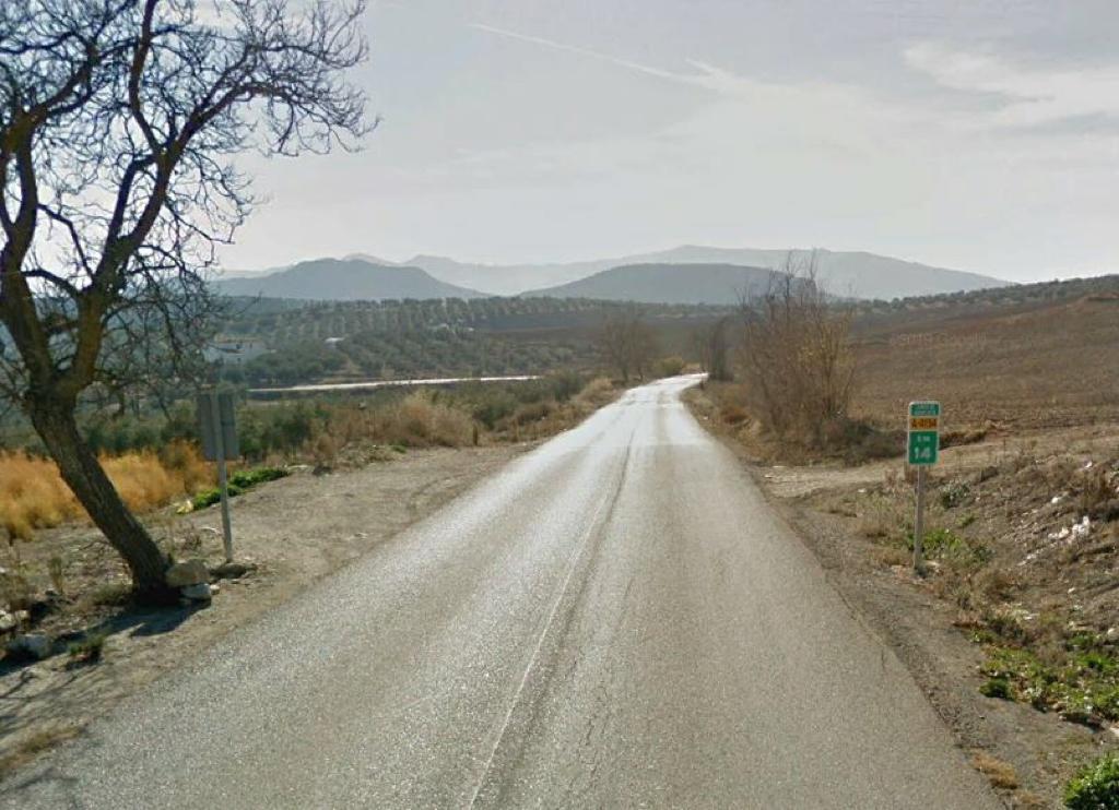 La Junta recibe 34 ofertas para retomar la mejora de la carretera entre Loja y Ventorros