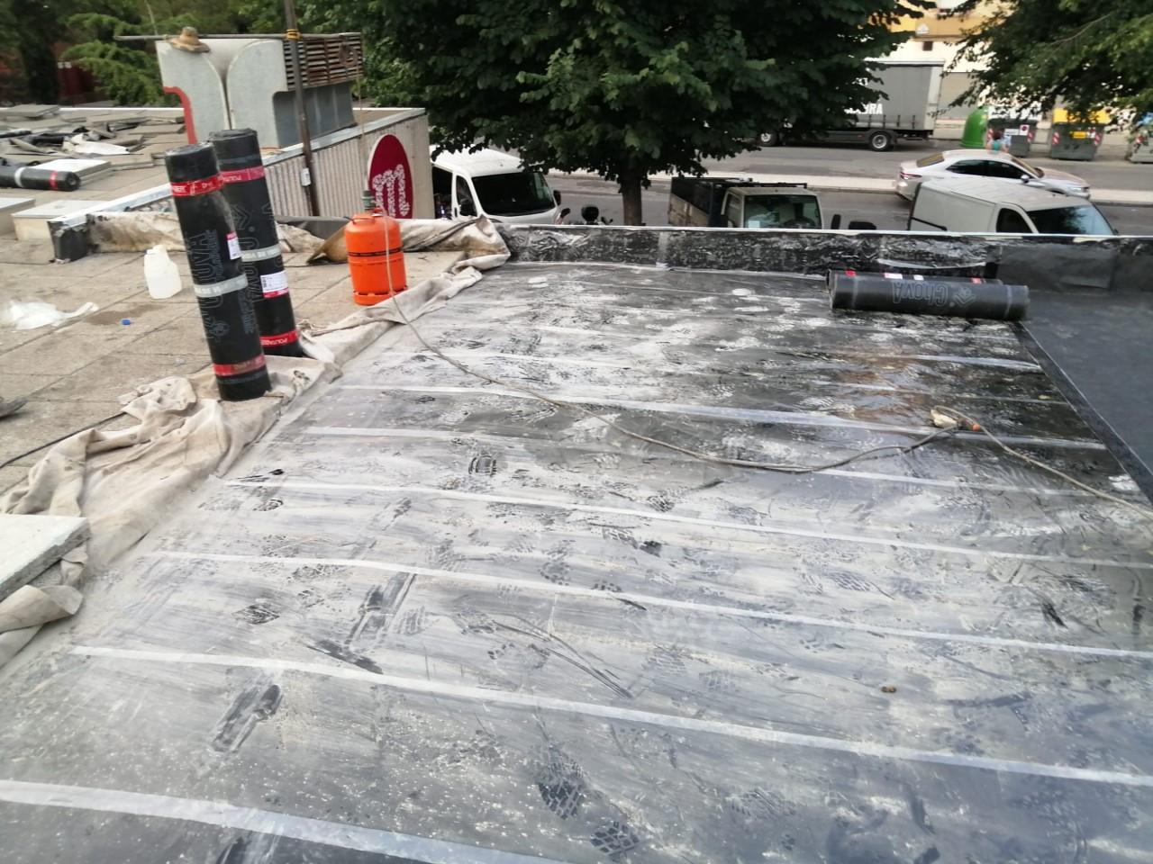 El Ayuntamiento inverte 2.828 euros en reparar el tejado de Merca80