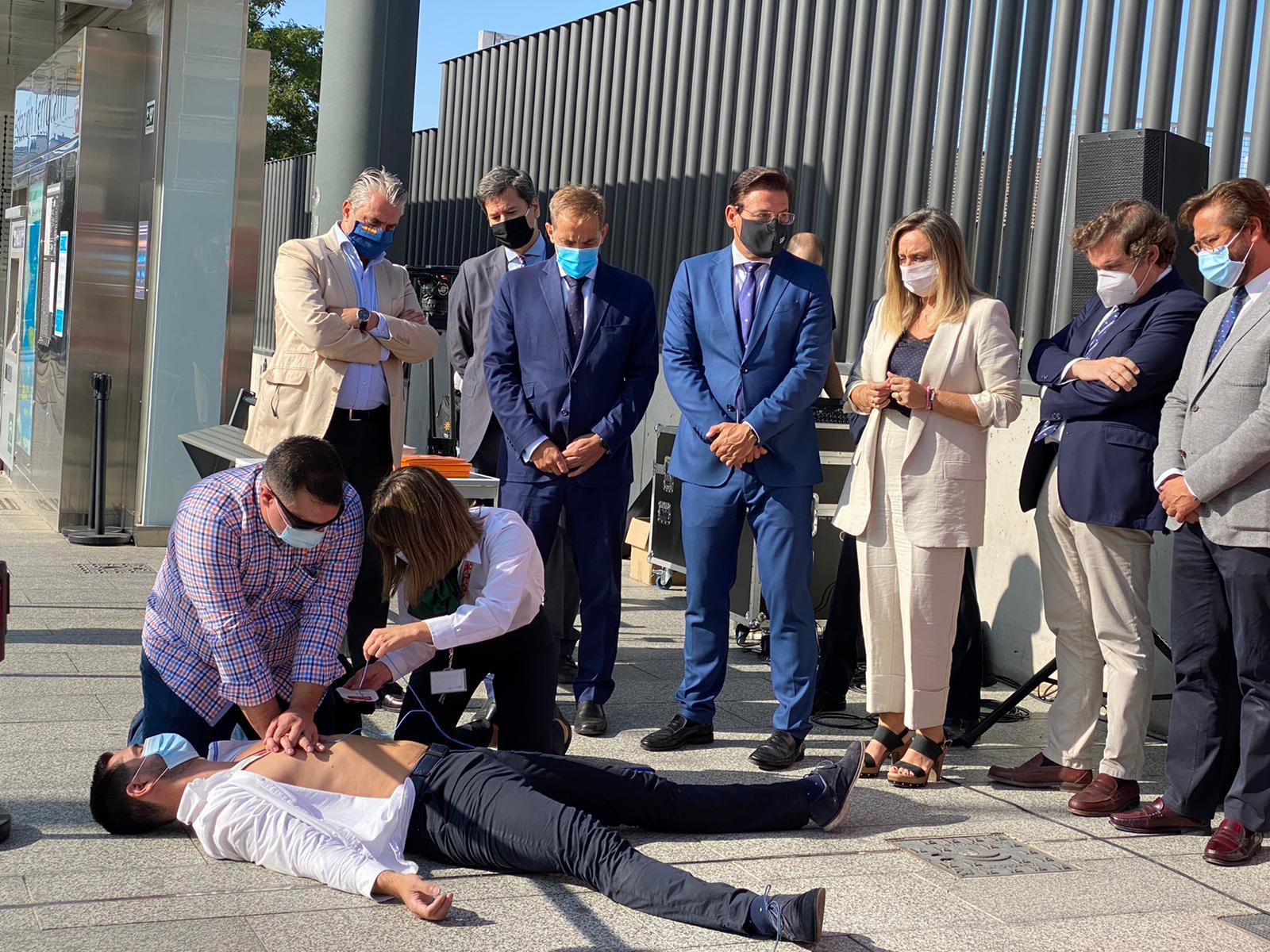 El Metro celebra su tercer aniversario convirtiéndose en un pasillo cardiosaludable